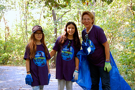 Volunteers restore urban forest