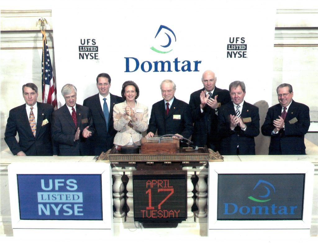 Domtar celebrates NYSE IPO