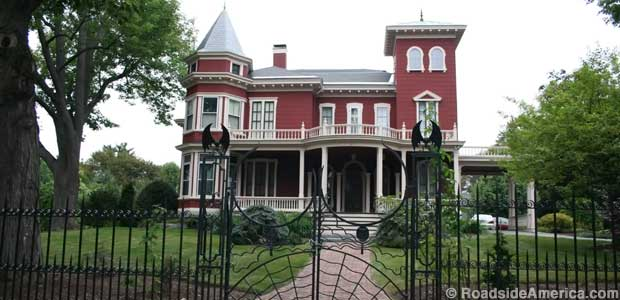 facts about Stephen King house
